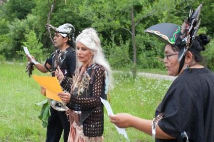 Sid Bobb, Jani Lauzon & Cecile Hookimaw read Jessica Lea Fleming's story. Photo: Giulio Muratori.